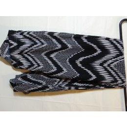 Black and White Zig-Zag Leggings